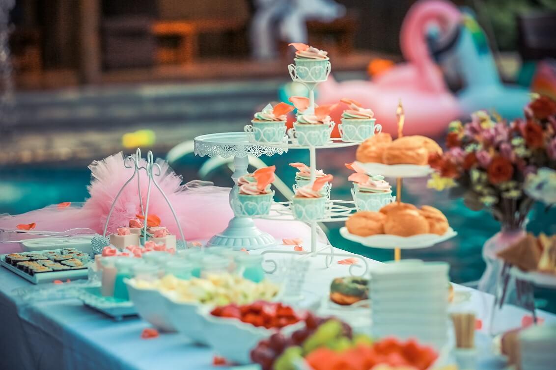 עיצוב שולחן מסיבת רווקות