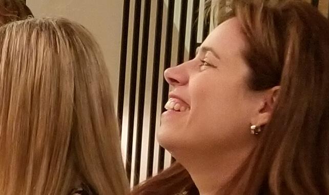 סדנת צחוק במסיבת רווקות