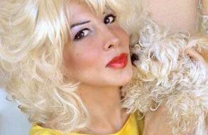 בסלון עם ג'וזי דיויין – כוכבת דראגסקסואלית