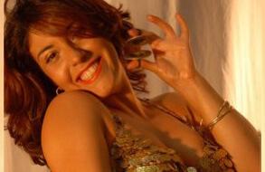 """סדנת """"אמנות הפיתוי""""חפלת ריקודי בטן ומיסטיקה כולל מקום מעוצב ואפשרות לאירוח ללילה"""