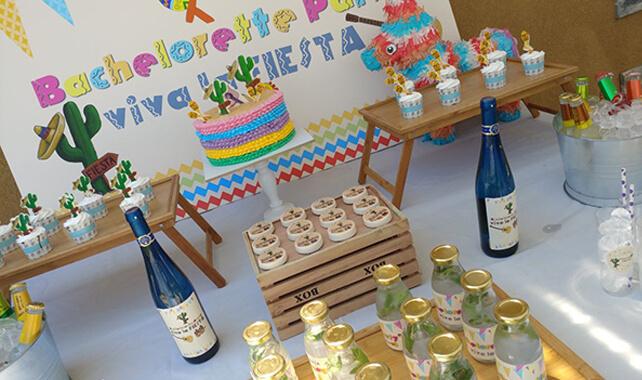 שולחן מעוצב למסיבת רווקות