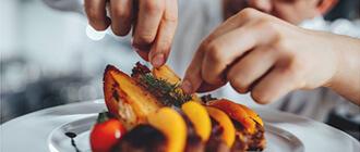 המכשף קסם של אוכל … עם השף ששי ישראל  072-393-9027