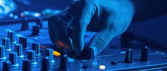 בנות תגבירו את הווליום- DJ למסיבת רווקות