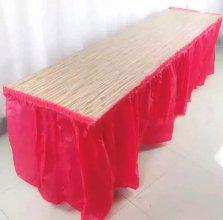 חצאית שולחן צבע אדום