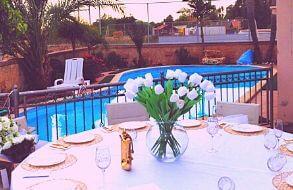 בריכת הפרחים למסיבת רווקות במושב מצליח